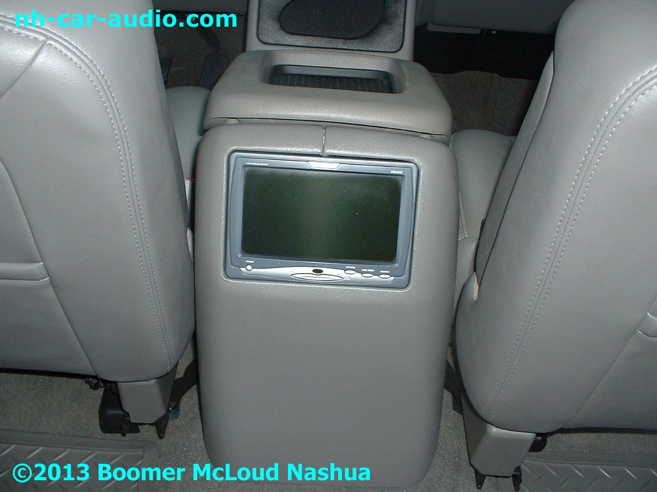 chevy silverado customized boomer nashua mobile electronics. Black Bedroom Furniture Sets. Home Design Ideas