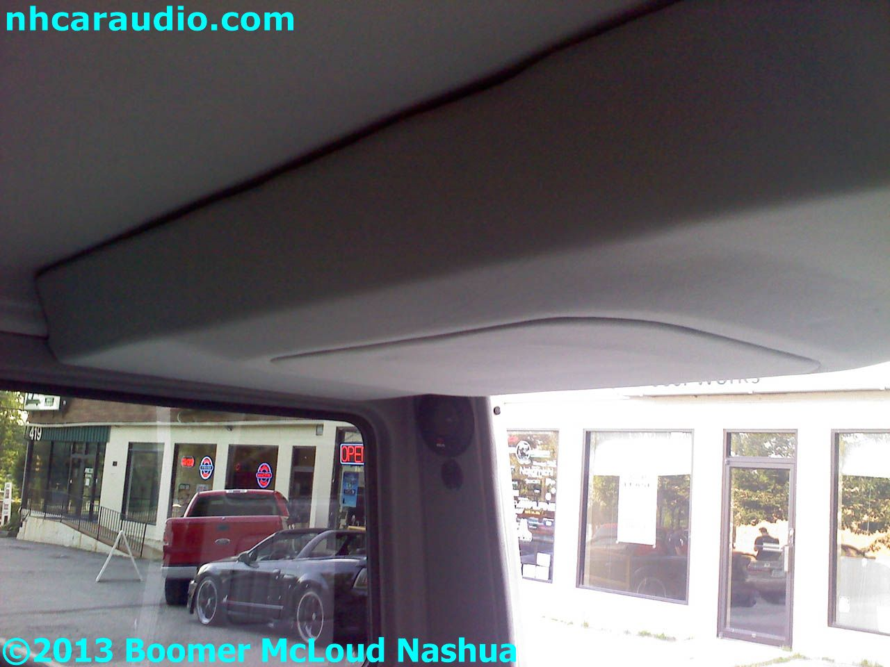 Mercedes-g-wagon-custom-roof-mounted-subwoofer