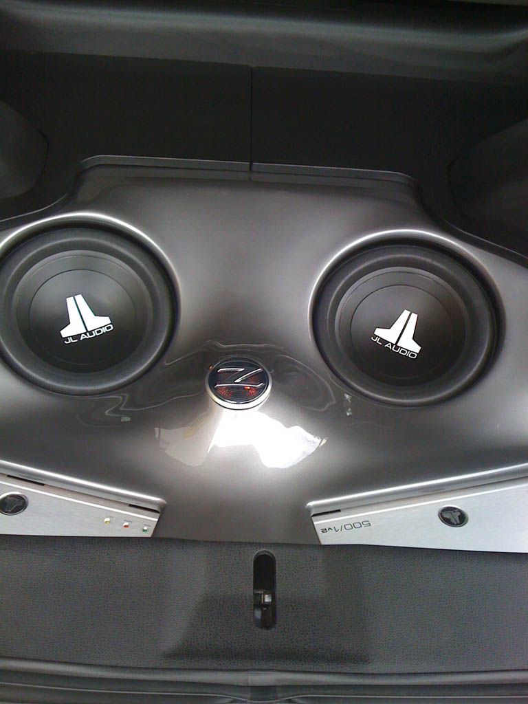 Nissan 370z Custom Fiberglass Subwoofer Amplifier Trunk