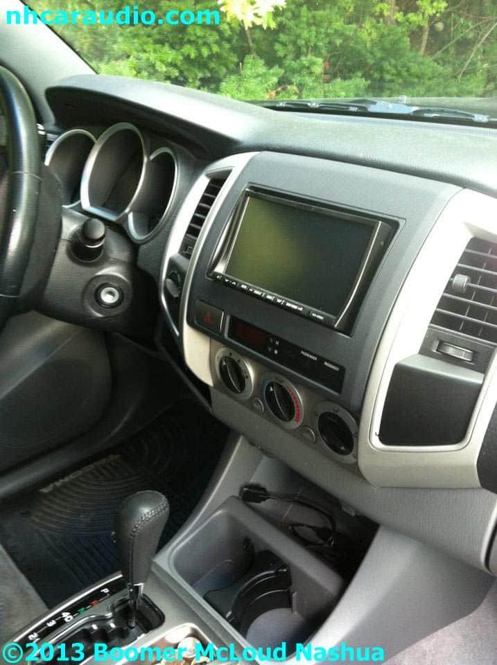 Toyota-tacoma-multimedia-navigation-blueotooth