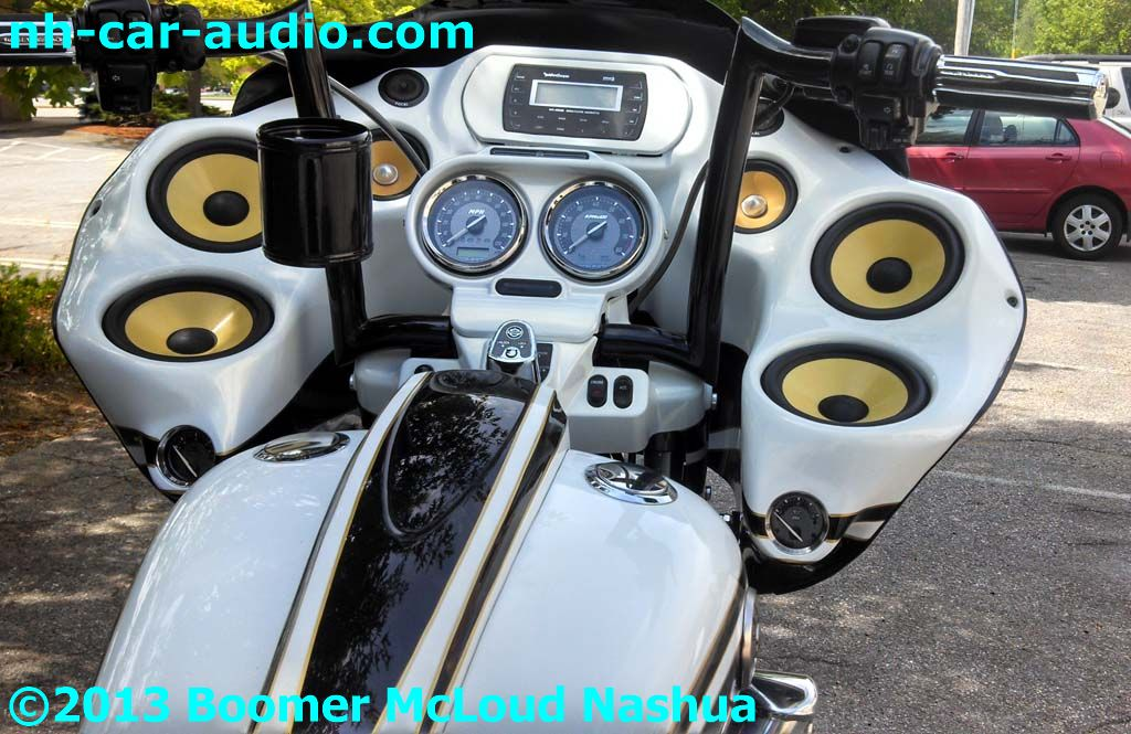 Harley-Roadglide-custom-fiberglass-fairing-speakers