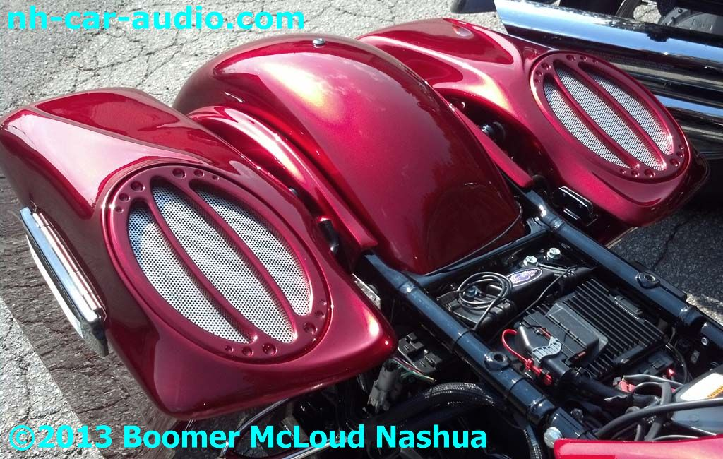 Harley-Davidson-custom-bag-lids-speakers-grilles