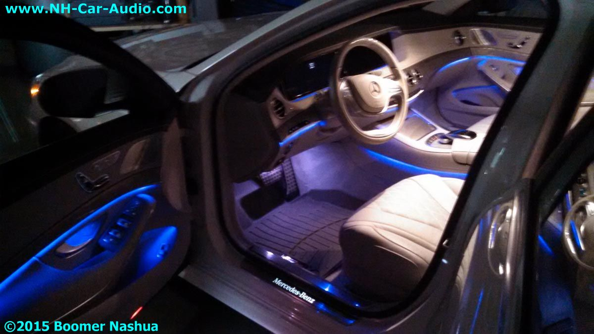 Mercedes-S550-custom-illumination-on